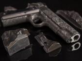 Legendární Colty 1911 z 4.5 militardy let starého meteoritu? - hodně drahé zbraně, které nejsou ze Země