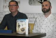 Na pulty přichází Do temnoty: zpověď českého vojáka v Afghánistánu