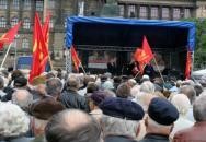 Trestný čin komunistů? Vyzývají české vojáky k dezerci