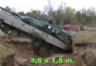 Tříapůlmetrový protitankový zákop? Pro Leoparda žádný problém