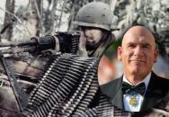 Držitel medaile cti Peter Lemon - zkouřený marihuanou odrazil zcela sám dvě vlny Vietkongu