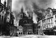 Válka v Čechách a Pražské povstání