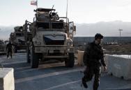Čeští vojáci patrolují kolem základny Bagrám dvakrát denně