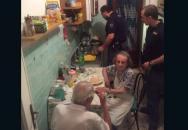 Dojemné gesto italských policistů v Římě vám vyrazí dech... Pomáhat a chránit v praxi