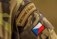 Kurz základní přípravy AZ AČR - Den 21-22: Fyzické přezkoušení, napadení základny a nácvik na přísahu.