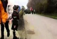 Malý chlapec pozdravil kanadský kontingent