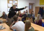 Školní cvičení zaměřené na postup při ozbrojeném útoku