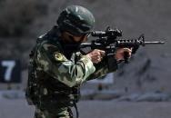 Čínské speciální jednotky s puškou M4