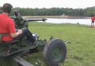 40 mm kanón v akci - tady končí sranda