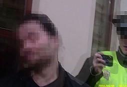 Pražští strážníci zakročovali v Praze 5 proti agresivnímu taxikáři