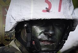 Kurz Komando zvládlo devět vojáků včetně slovenského. Ten nejlepší je z Chrudimi