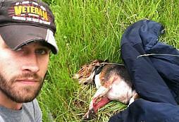 Válečný veterán z Iráku zachránil těžce raněnému psovi život