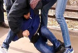 Rusové zatýkají bratra pachatele útoku v Petrohradu. Sledujte, co má v ledvince