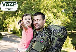 Nový program pro vojáky a jejich rodiny: VoZP proplatí každému 2 000 korun