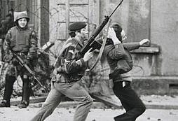 Krvavá neděle 1972 - masakr v Londonderry v Severním Irsku
