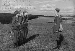 Výcvik vojína v obraně (1953)