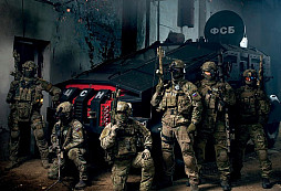 Ruské speciální síly během prezentace pro veřejnost - hodně velká divočina i pro válkou ostřílené profíky...