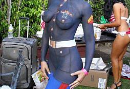 Reálná uniforma? Ne ne, je to barva :)