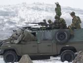 Vojáci z povolání a nákupy výstroje za své....