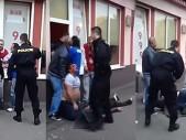 Romská přesila napadla dvojici policistů, výsledek bitky však útočníci opravdu nečekali