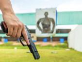 Student střední školy byl dočasně vyloučen kvůli rekreační střelbě pod dozorem své matky