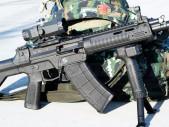 Čínské ozbrojené síly poprvé na veřejnosti předvedly nové útočné pušky QBZ-191