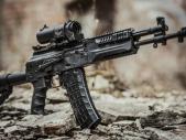 Kalašnikov letos dodá ruské armádě 40 tisíc nových útočných pušek AK-12