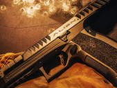 Český výrobce zbraní ohromil USA, ačkoliv u nás tuto firmu téměř nikdo nezná
