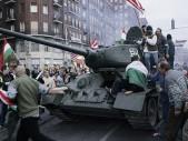 Ukradený tank T-34: Když se Budapeští řítí v tanku maďarský důchodce