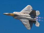 Americký stíhací letoun 5. generace F-22 prokázal, že dokáže totéž co ruské letadlo generace 4 ++ Su-35