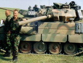 Tank Nuts: První podcast související s tanky, kterým provází britský armádní veterán Richard Cutland