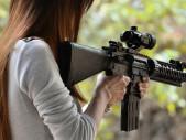 V New Yorku téměř trojnásobně vzrostl zájem o licenci na zbraně, schváleno bylo jen 14 % žádostí