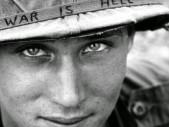 """""""Válka je peklo"""": Ikonická fotografie z vietnamské války, která obletěla svět"""