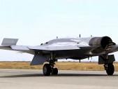 Ruský těžký dron S-70 Ochotnik si vyzkoušel bombardování
