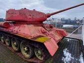 Rarity zbraňové amnestie: Tank T-34 nebo puška, kterou