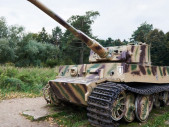 Robert Henry Cain: Sám zničil 4 německé tanky Tiger