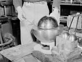 """Třetí atomová bomba určená pro Japonsko nakonec zabíjela Američany – vědec """"lechtal dračí ocas"""" šroubovákem"""