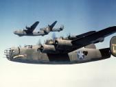 B-24 Liberator: Nejvyráběnější bombardér v historii létal ve stínu slavnější legendy B-17