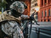 Střelba mezi civilisty v srdci Rigy. Lotyši berou cvičení velice vážně