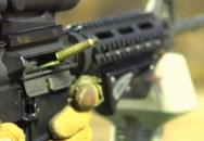Střelby ze zbraní - velmi zpomaleně