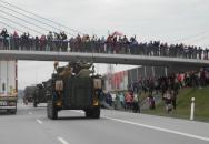 Lidé si demonstrantů už nevšímají a vojáci je prý ani nezaregistrovali