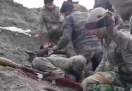 Brutální video bojovníka ISIL, které končí jeho headshotem