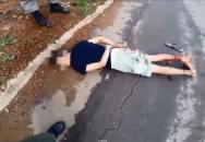 Hodně drsné zastavení auta střelbou z policejního vrtulníku