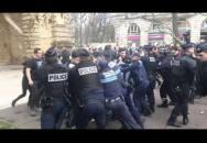 FRANCIE - Demonstrace proti terorismu = zatčení pro rasismus
