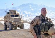 Veterán z Afghánistánu se soudí s armádou za údajný rasismus
