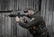 Tacticoolna - vychytaná naučná videjka nejen o manipulaci se zbraněmi