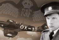 Válečný hrdina unikl dvakrát z hořícího letadla. Kvůli popálené tváři se mu ale po návratu do vlasti posmívali