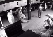Nekompromisní zásah ruské policie v tanečním klubu