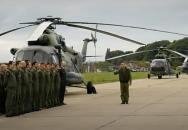 Devět našich vrtulníků Mi-17 hromadně ve vzduchu