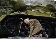 Sovětský druhoválečný veterán se po letech opět setkal se svým tankem